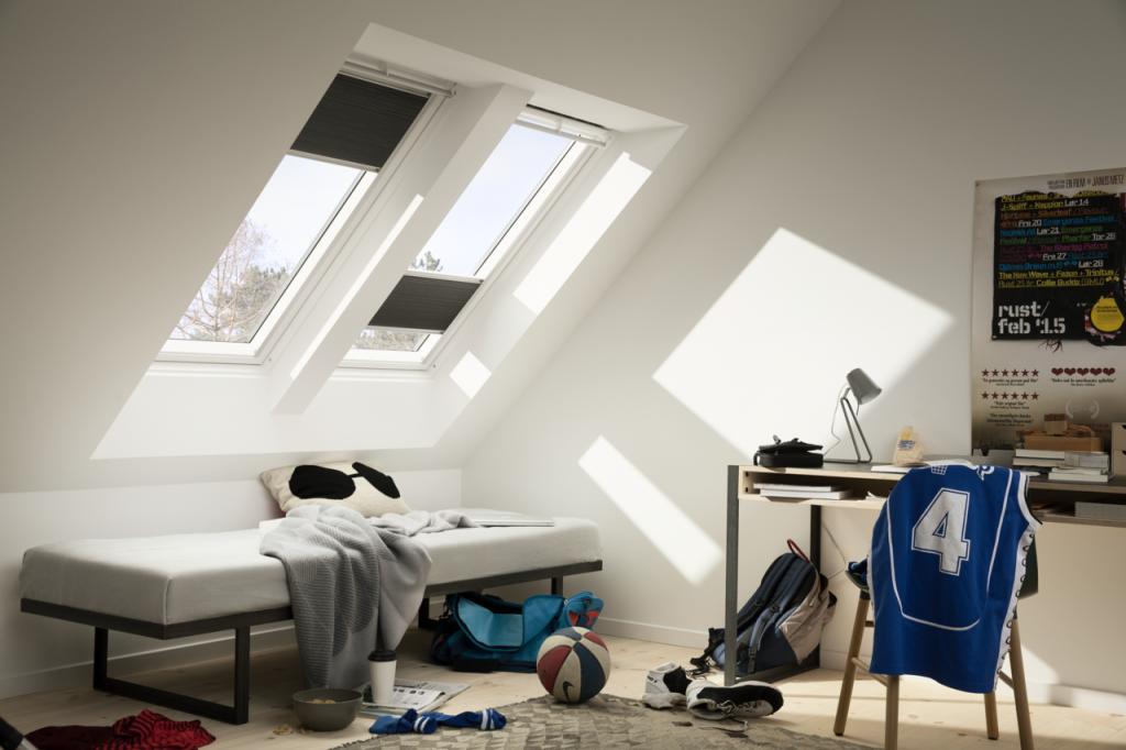 velux skylight for slopping roof